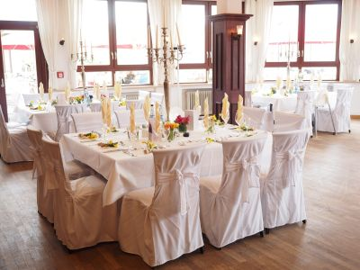 Wedding-table-1174141 1920